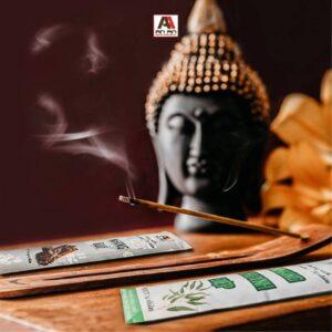 Nhang sạch tinh khiết từ thảo mộc nhiên dâng Đức Phật bổn sư
