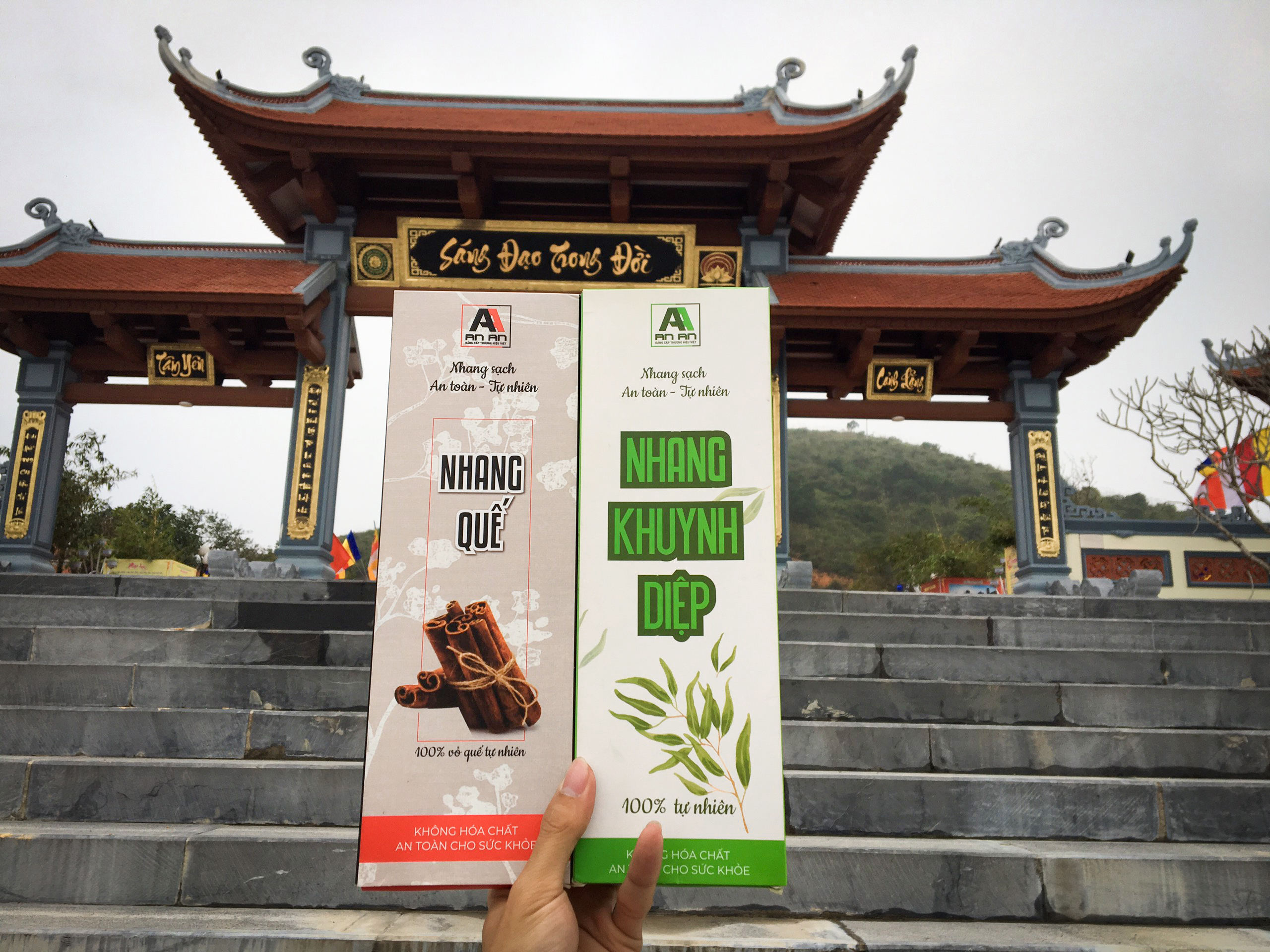 Nhang sạch tự nhiên lưu giữ giá trị truyền thống cùng phát huy giá trị thảo mộc Việt