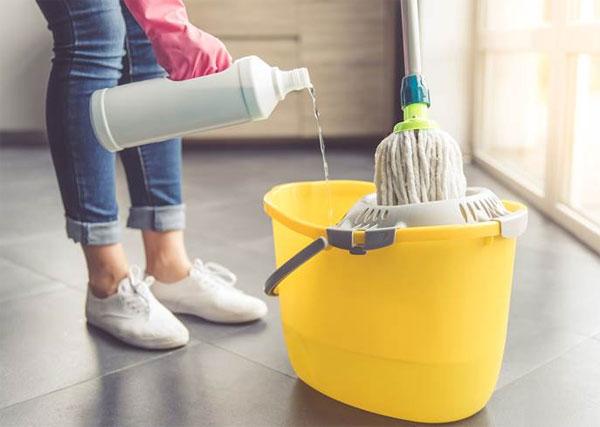 Nước lau sàn hóa chất độc hại cho sức khỏe